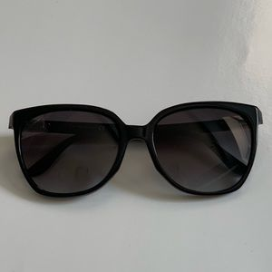 💯Authentic Gucci Black sunglasses
